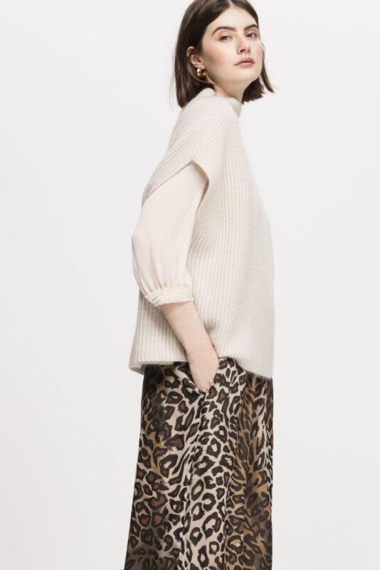 sweter damski peleryna szerokie rekawy butik luisa bydgoszcz