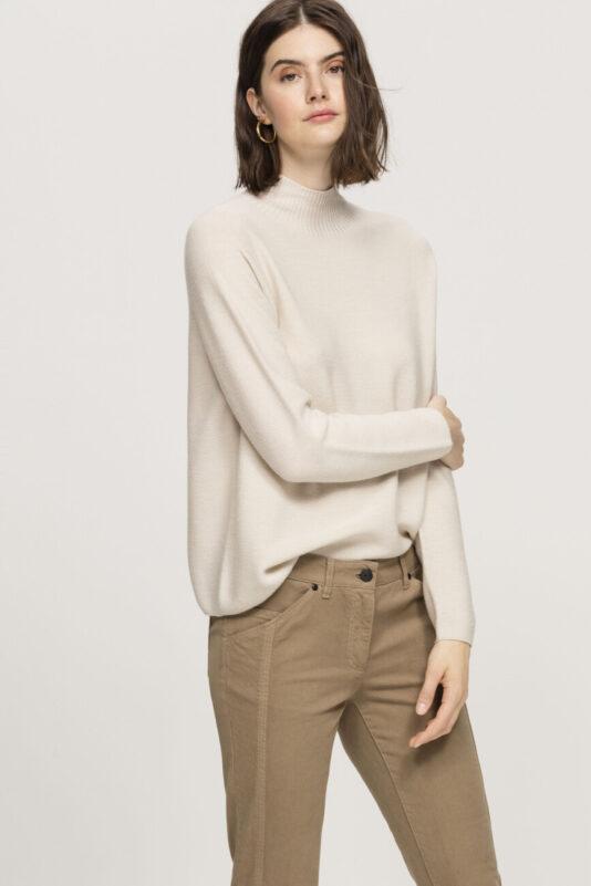 sweter kolor ivory bezszwowy wygodny butik luisa cerano bydgoszcz