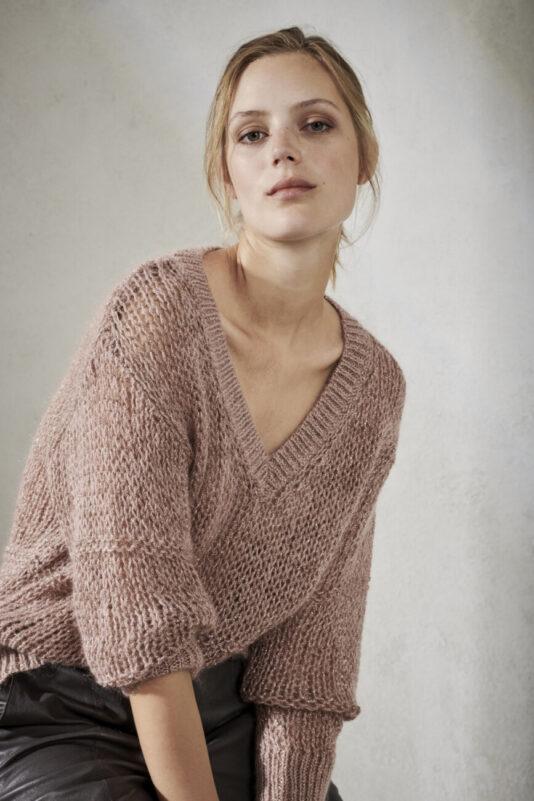 sweter-luisa-cerano-damski modowy dekolt V kolor pudrowy róż butik luisa bydgoszcz