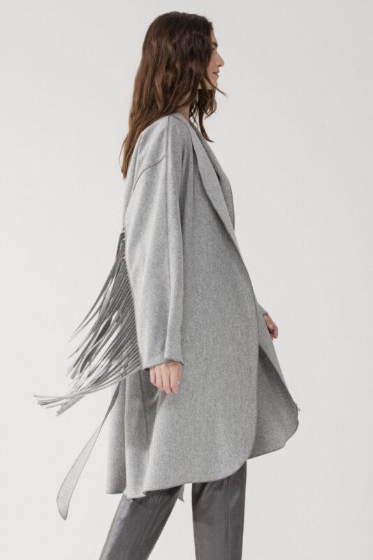 luźny płaszcz z frędzlami modowy damski butik luisa cerano bydgoszcz