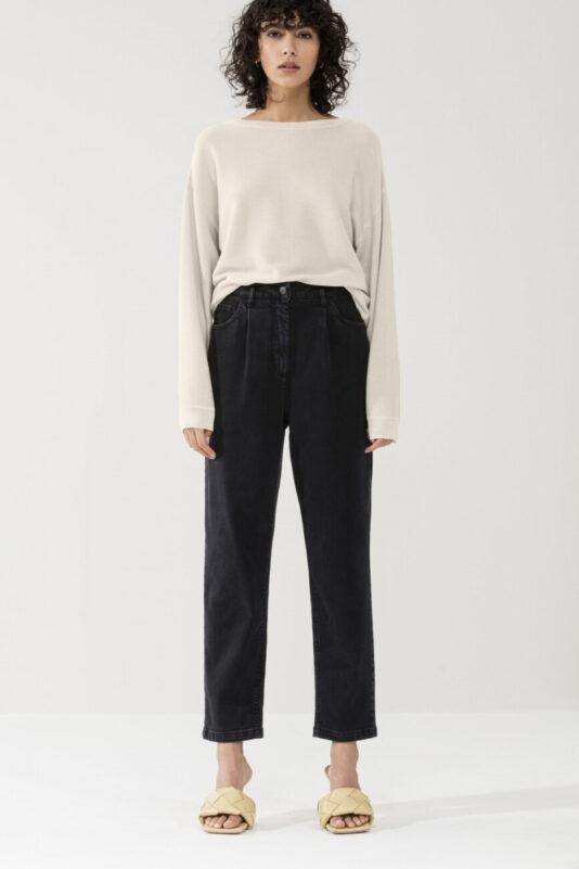 spodnie-luisa-cerano-damskie eleganckie czarne dżinsy krótsze plisowane butik luisa bydgoszcz